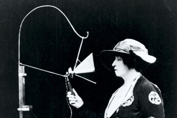 Dame Nellie Melba making the first ever live entertainment broadcast on 21 June 1920