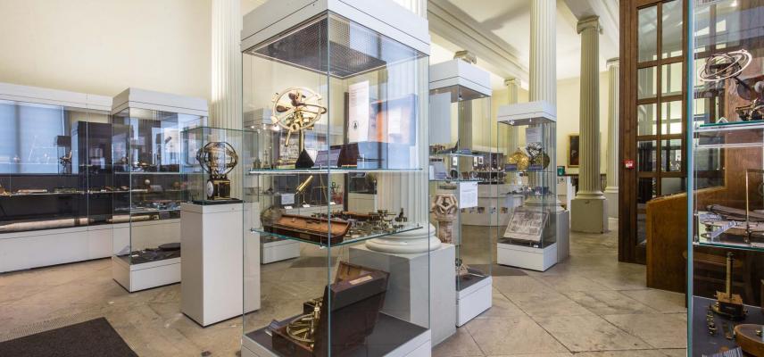 Entrance gallery 227